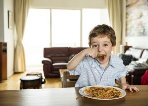 Cara Orang Tua agar Anak Tipe <i>Picky Eater</i> Doyan Makanan Bergizi
