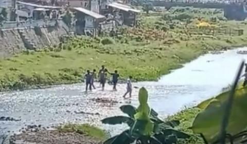 Jebol Plafon, Tahanan Kasus Persetubuhan Kabur dari Kantor Polisi