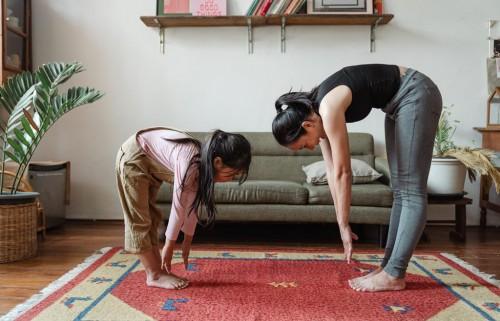 ibu harus mengajak anaknya untuk beraktivitas fisik. (Foto: Ilustrasi Freepik)