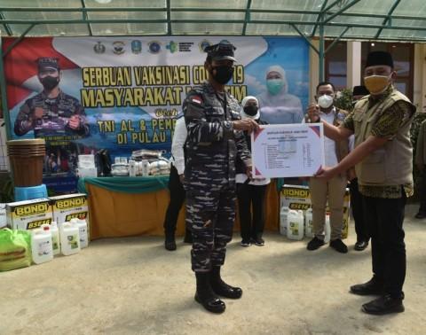 TNI AL Koarmada II Peduli Masyarakat Terpencil di Kepulauan