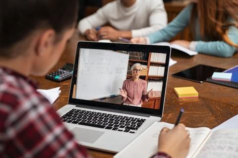 Tanggapan Netizen Soal Spesifikasi Laptop dari Kemendikbudristek