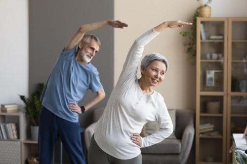 Pentingnya mempersiapkan diri dalam mencapai usia lanjut yang sehat. (Foto: Freepik)