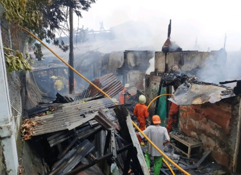 10 Rumah di Karet Tengsin Terbakar, 50 Jiwa Kehilangan Tempat Tinggal