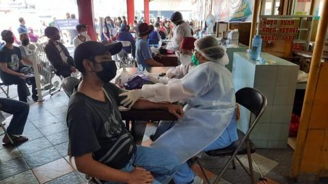 Antusiasme Publik Tinggi, NasDem Tambah Kuota Penerima Vaksin Covid-19
