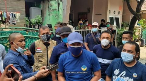NasDem Santuni 3 Bersaudara yang Jadi Yatim Piatu Akibat Covid-19 di Purwakarta