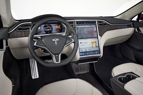 Tesla Lakukan Pembaruan Piranti Lunak, Bisa Nonton Disney+