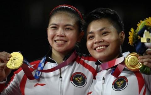 Greysia/Apriyani Grab Olympic Gold Medal after Beating Chinese Pair