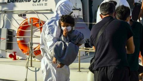 Lebih dari 700 Pengungsi Diselamatkan dari Laut Mediterania