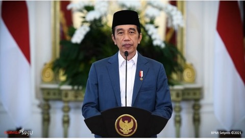 Jokowi Memperpanjang PPKM Level 4