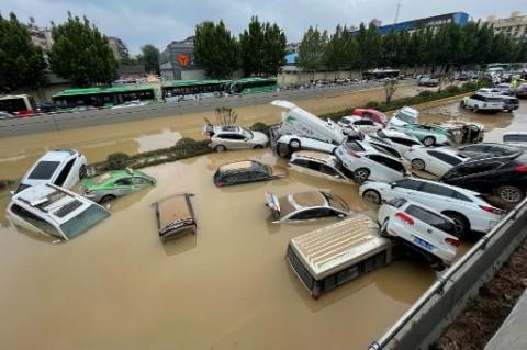 Korban Tewas Banjir Tiongkok Jadi 302 Orang
