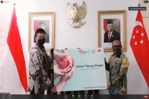 KBRI Singapura dan Kemenkes RI Terima Donasi 532 Oksigen dari UOB