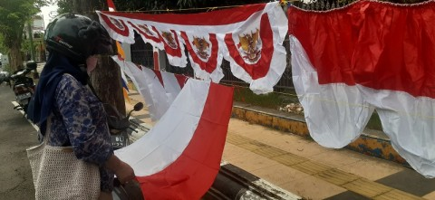 Padagang Bendera Musiman Mulai Bermunculan di Jepara
