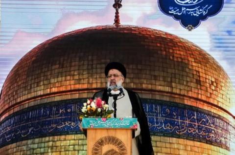 Ebrahim Raisi Resmi Dilantik Sebagai Presiden Iran