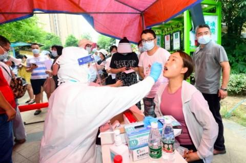 Jumlah Kasus Covid-19 Lokal Tinggi, Tiongkok Tingkatkan Tes Massal