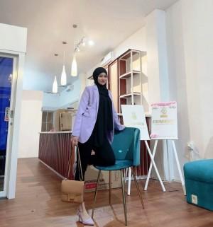 Duwi Wahyuni, Seorang Bidan yang Justru Sukses di Bisnis Skincare
