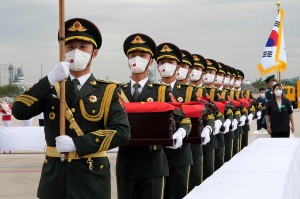 3 Foto Terpopuler: Tiongkok Pulangkan Ratusan Kerangka Jenazah Tentaranya hingga Coki Pardede Ditangkap Polisi