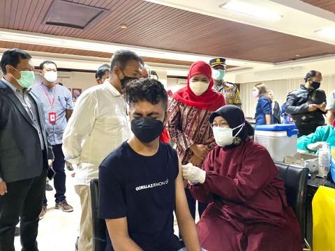 Khofifah Sebut Vaksinasi Upaya Menjaga Mutu SDM