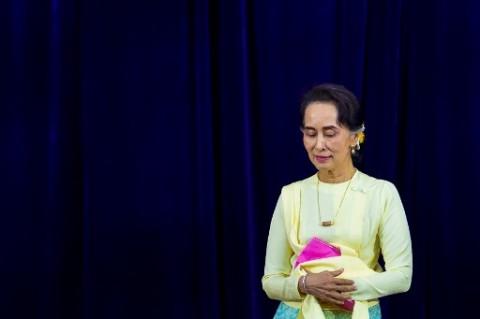 Aung San Suu Kyi Hadir di Pengadilan Walau Masih Sakit