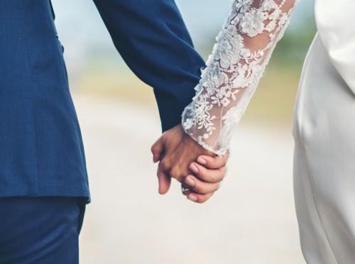 Berikut ini adalah beberapa keuntungan dan kekurangan dari menikah muda. (Foto: Ilustrasi/Freepik.com)
