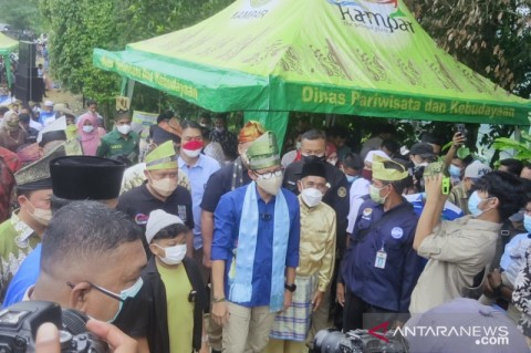 Sandiaga Dorong Riau Jadi Pusat Wisata Budaya Melayu