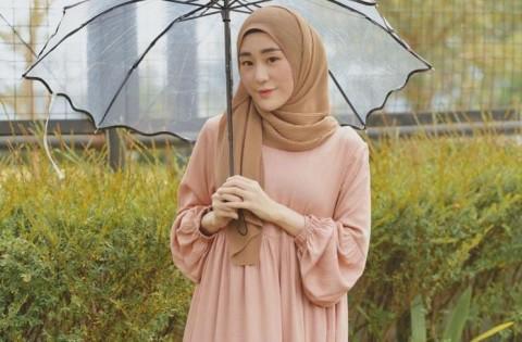 Larissa Chou Jawab Tudingan Lepas Jilbab dan Murtad Usai Bercerai