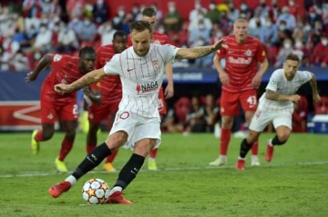 Diwarnai Empat Tendangan Penalti, 10 pemain Sevilla Imbangi Salzburg