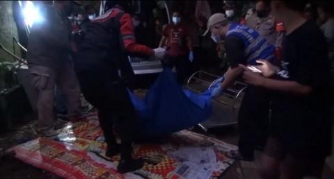 Polisi Cari Keluarga Perempuan yang Tewas Hanyut di Srengseng Sawah