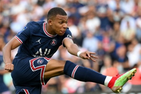 Tersinggung dengan Tawaran Madrid, PSG Bertekad Pertahankan Mbappe
