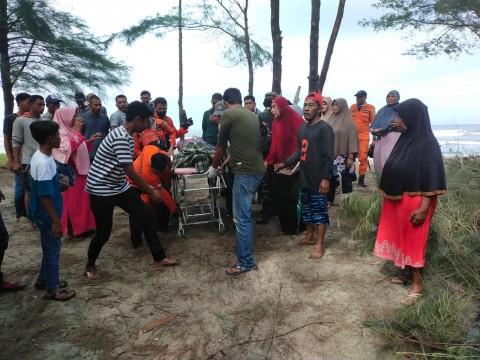 Seorang Remaja Tenggelam Saat Mandi di Pantai Penyu Leupung