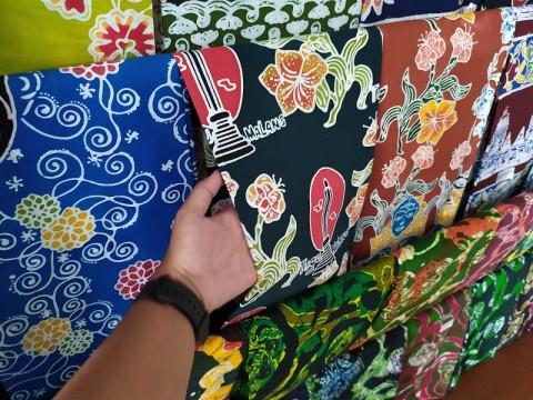 Sokong Pengrajin Batik, Menko Airlangga: Pemerintah Siap Buka Pasar Baru Skala Global