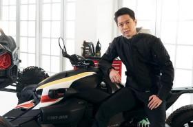 Kevin Sanjaya Suka Sunmori Pakai Motor Roda Tiga