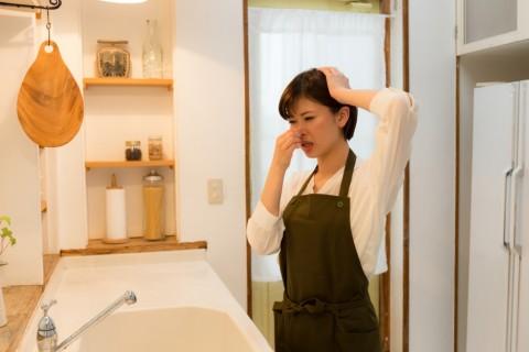 7 Tips Mengatasi Bau Apek di Rumah