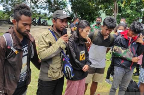 Satu Nakes Korban KKB Terus Dicari, Sekeluarga Tenggelam