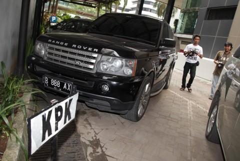 Lelang 2 Mobil Eks Anggota DPR, KPK Kantongi Rp517 Juta