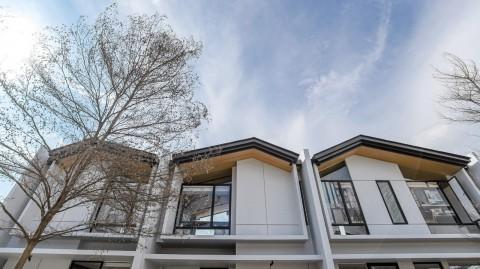 Kebut Pembangunan, KJIE Mulai Serah Terima Rumah di Karawang