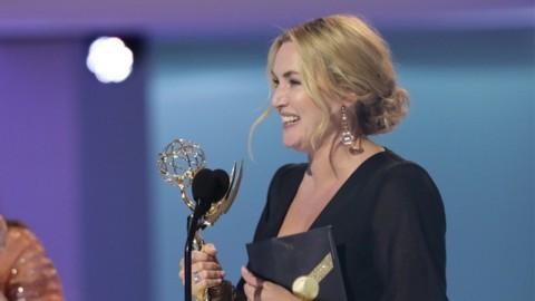 Reaksi Lucu Kate Winslet Usai Menang Aktris Terbaik Emmy Awards 2021