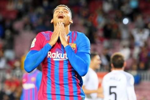 Araujo Selamatkan Barcelona dari Kekalahan atas Granada