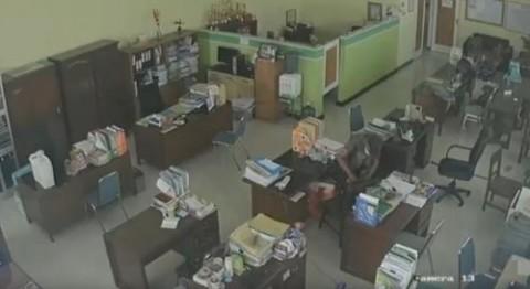 Kantor Dinas Koperasi Kabupaten Tuban Dibobol Maling Berkedok Penjual Madu