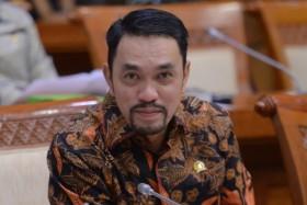 Sahroni Acungi Jempol Kinerja Kejagung Tangkap DPO