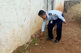 Penyelundupan Narkotika Dilempar dari Luar Tembok Lapas Semarang Digagalkan