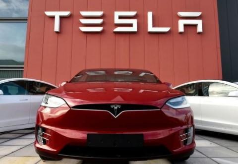Saham Tesla dan Facebook Dorong Kenaikan Wall Street