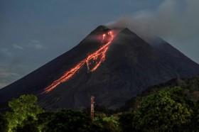 Sepekan, Merapi Luncurkan 141 Kali Material Lava