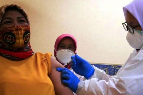 897.141 Nakes Telah Terima Vaksin <i>Booster</i> per 25 September