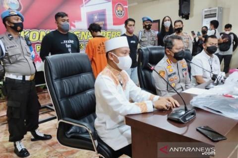 Ustaz Dasad Latif Minta Umat Tak Terprovokasi Aksi Pembakaran Mimbar Masjid di Makassar