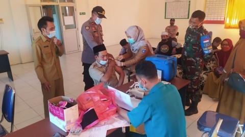 Laskar Sasak Gelar Vaksinasi Massal di Lombok Tengah