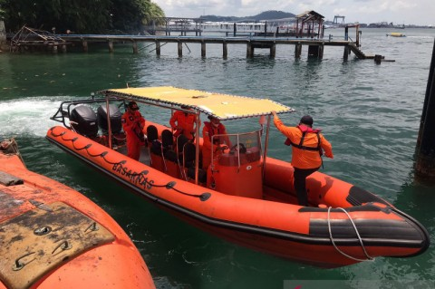 2 Orang Hilang dalam Tubrukan Kapal Kayu di Batam