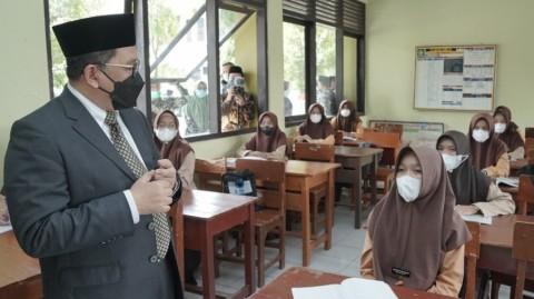 Wamenag Ingatkan Siswa Madrasah Disiplin Prokes Selama PTM