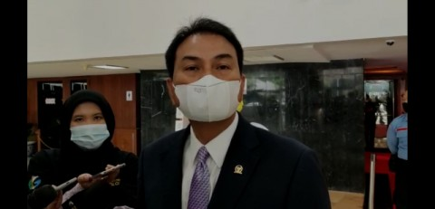 Azis Syamsuddin Kenal Robin Pattuju atas Bantuan Polisi