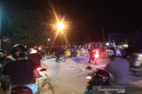 Polisi Bubarkan Demonstrasi Peringatan Tewasnya 2 Mahasiswa di Kendari