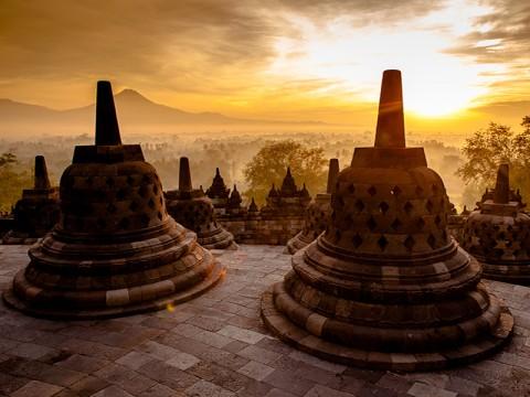 Ganjar Gas Pol Vaksinasi di Kawasan Candi Borobudur